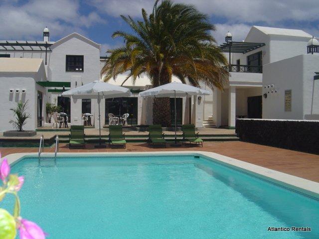 Luxury 1 Bedroom Apartment with Air Conditioning in Puerto del Carmen, Lanzarote